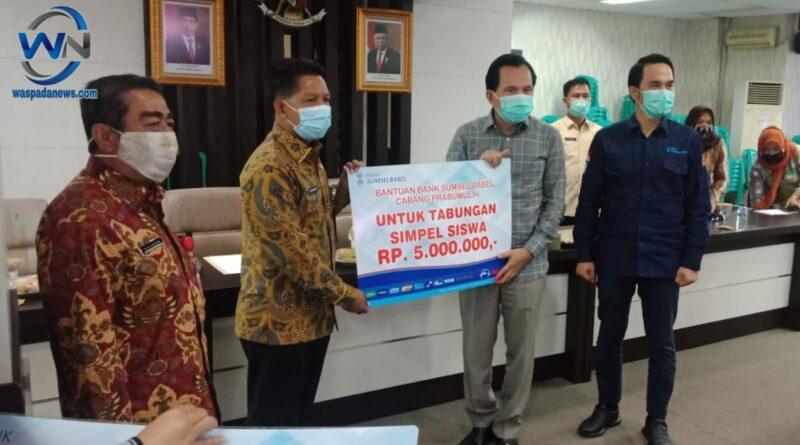 Bank Sumsel Babel Berikan 200 Rekening Kepada Siswa SMP Negeri 5 Kota Prabumulih
