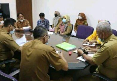 Tingkatkan Pendapatan Asli Desa, Asisten Perekobang Kembangan Pupuk Bokashi Desa Tanjung Raja