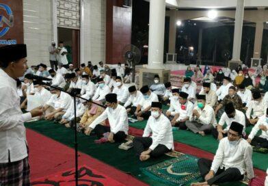 Pemkot Prabumulih Sholat Isya' dan Tarawih Berjamaah